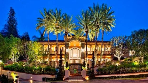 Kobe Brant Adam Levine Lists House
