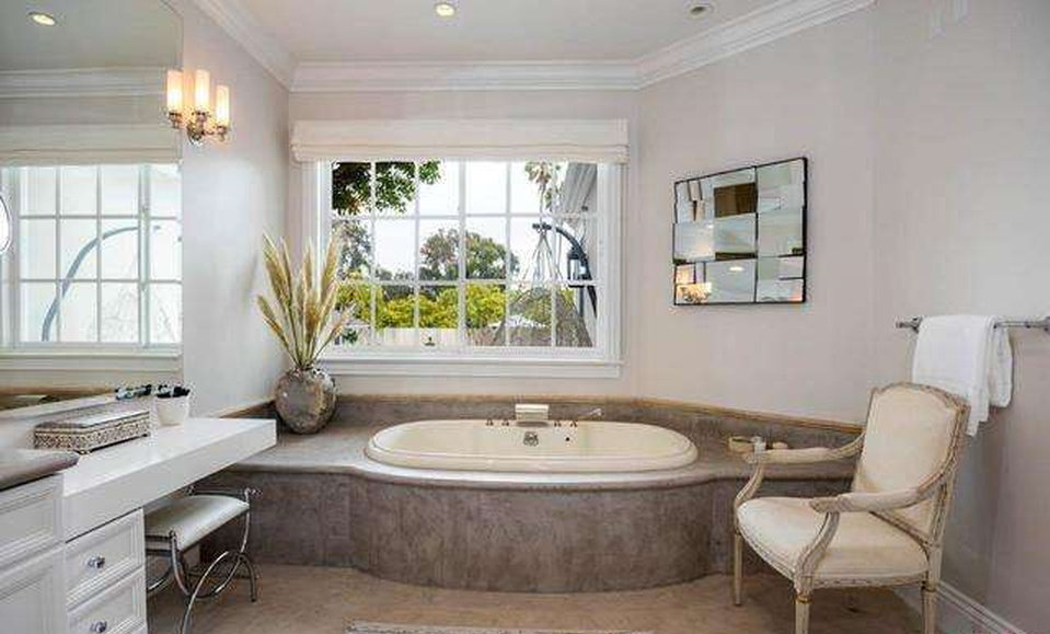 Patrick Dempsey And Wife Sells Mini Mansion
